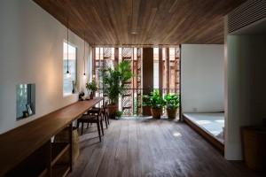 Thiết kế ngôi nhà ốp gỗ đẹp ở Sài Gòn
