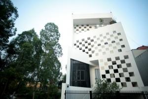Thiết kế ngôi nhà hướng Tây chống nóng