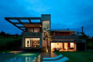 Ngôi nhà đẹp giữa chốn đồng quê yên bình