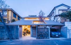 Thiết kế ngôi nhà với mái bằng gỗ độc đáo