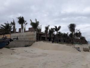 Biệt thự xây dựng trái phép ở Đà Nẵng bị tháo dỡ